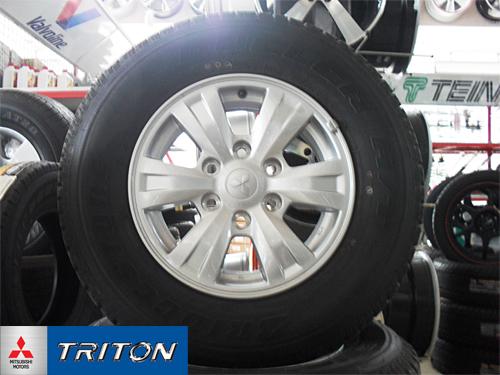 แม็กซ์ติดรถ Triton Plus พร้อมยาง Bridgestone  คลิกรูปใหญ่